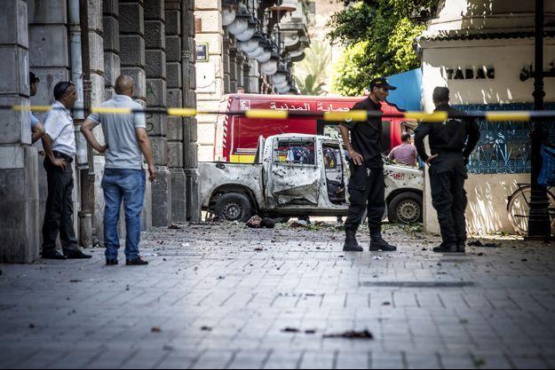 Une voiture piégée a explosé à Tunis.
