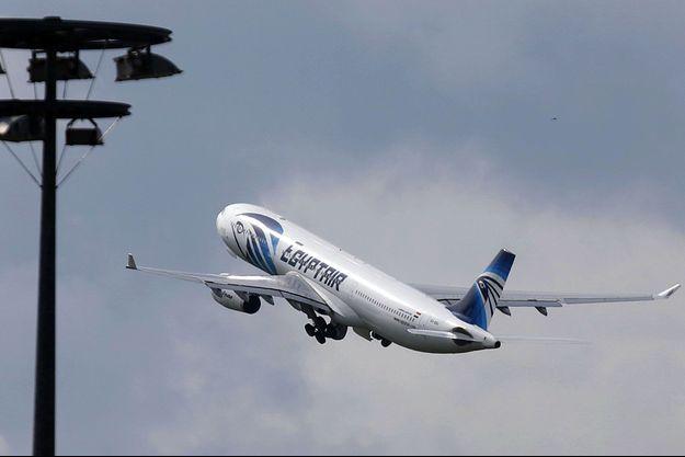 L'avion de la compagnie EgyptAir est toujours introuvable.