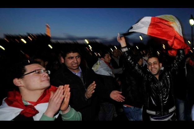 A paris, les jeunes égyptiens étaient en liesse hier soir.