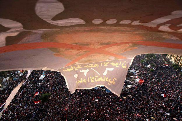 Plusieurs millions de personnes ont demandé le départ du président Morsi dimanche, dont quelque 500 000 place Tahrir.