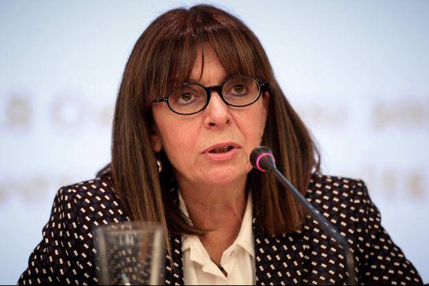 Ekaterini Sakellaropoulou devrait être la première femme présidente de la Grèce.
