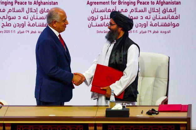Lors de la signature d'un accord à Doha, en février 2020.