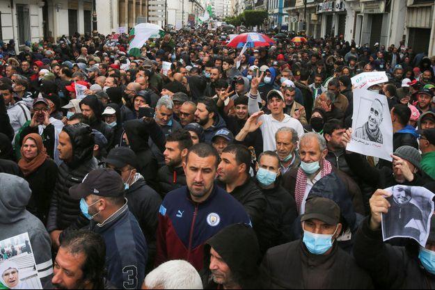 Manifestation contre le gouvernement à Alger, le 16 avril 2021.