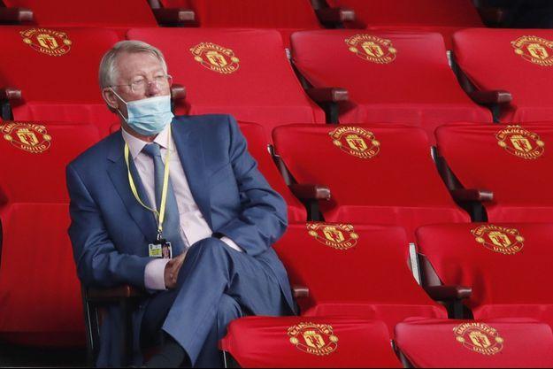 Sir Alex Ferguson montre l'exemple en portant un masque.