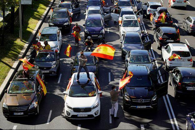 Manifestation de l'extrême droite à Madrid, lundi.
