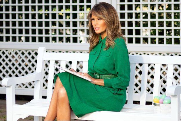 Le 8 avril, Melania Trump avait lu un livre à la Maison-Blanche devant une caméra, à défaut de le faire lors de la traditionnelle chasse aux oeufs de Pâques, annulée à cause du coronavirus.