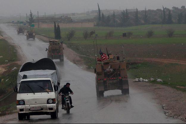 Un véhicule américain près de Minbej, en Syrie, le 30 décembre 2018.