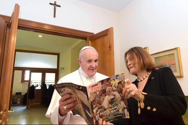 Le pape François et notre reporter Caroline Pigozzi