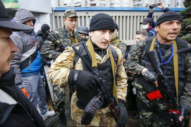 A Luhansk, les partisans pro-russes se sont emparés du siège de la SBU, la sécurité d'Etat ukrainienne.