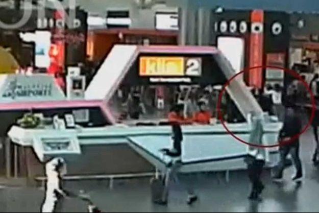A droite, dans le cercle rouge, l'empoisonnement de Kim Jong-Nam