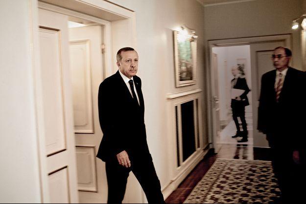 Le 16 juin, dans les salons de la résidence officielle de Recep Erdogan, à Ankara.
