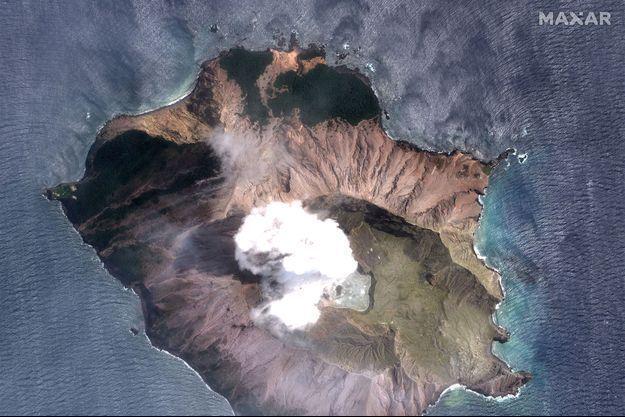 Une vue satéllite du volcan de de White Island.