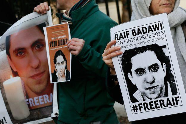 Manifestation à Londres en 2015 pour la libération de Raif Badawi.
