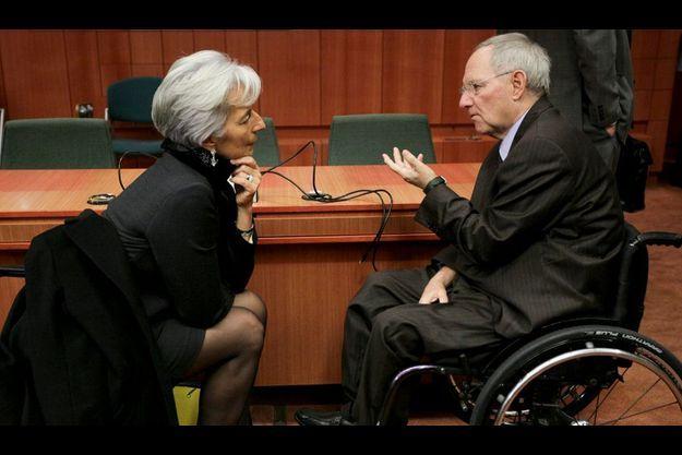 Christine Lagarde et Wolfgang Schäuble à Bruxelles lors de la réunion des ministres des Finances de l'UE sur la crise irlandaise le 16 novembre.