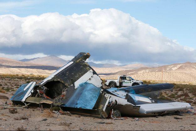 L'épave du SpaceShipTwo gît dans le désert de Mojave, en Californie.