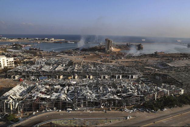 Vue aérienne de la zone ravagée de Beyrouth.