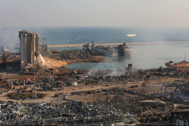 Le port de Beyrouth, épicentre des explosions au lendemain du drame.