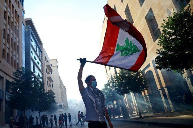 Un manifestant anti-gouvernement, à Beyrouth, le 10 août.