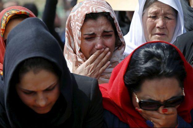 Des femmes aux obsèques de Farkhunda.