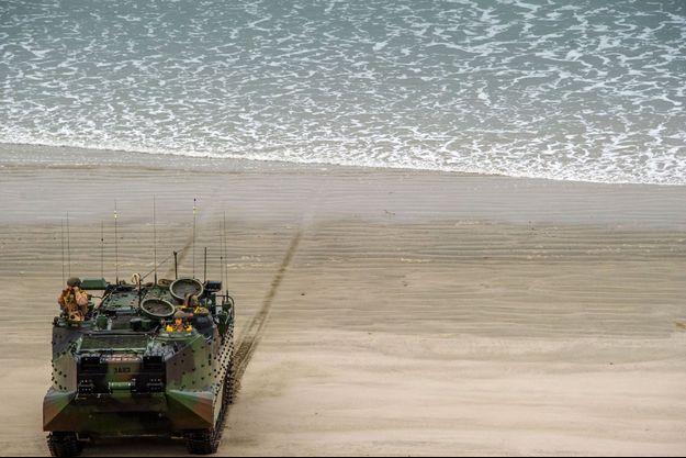 Un véhicule d'assaut amphibie, dit AAV, ici sur une photo datant de 2014.