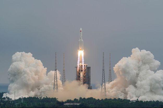 La fusée chinoise dont une partie va retomber sur Terre...