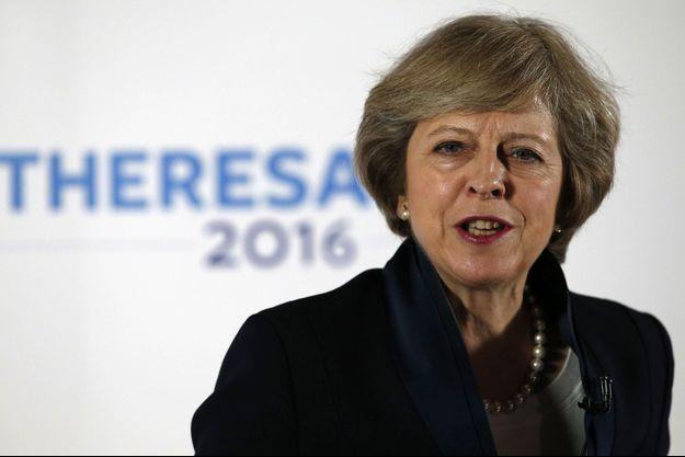 Theresa May sera Premier ministre dès mercredi.