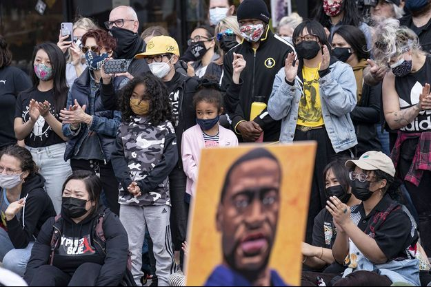 Rassemblement de soutien à Minneapolis, en marge du procès de Derek Chauvin.