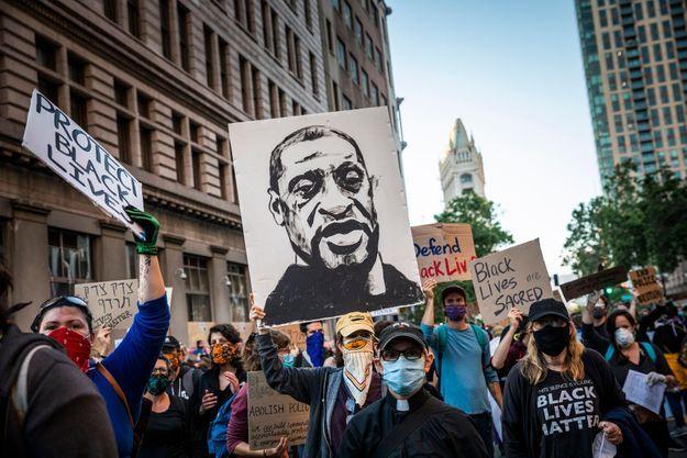 Portrait de George Floyd à Oakland aux Etats-Unis, le 4 juin 2020.