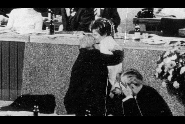Berlin, le 7 novembre 1968, Beate Klarsfeld vient de gifler le chancelier Kiesinger. Elle sera immédiatement jugée.
