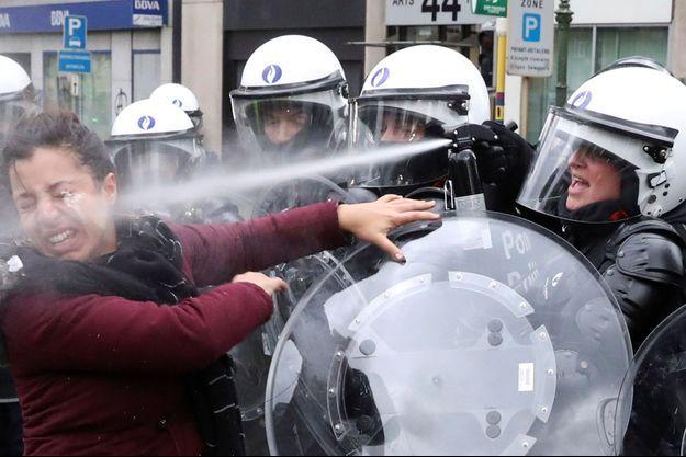 La police belge a fait usage de gaz lacrymogène.