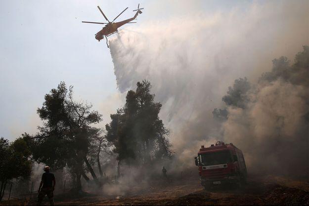 Un violent incendie avait déjà ravagé la Grèce en août. Image d'illustration.