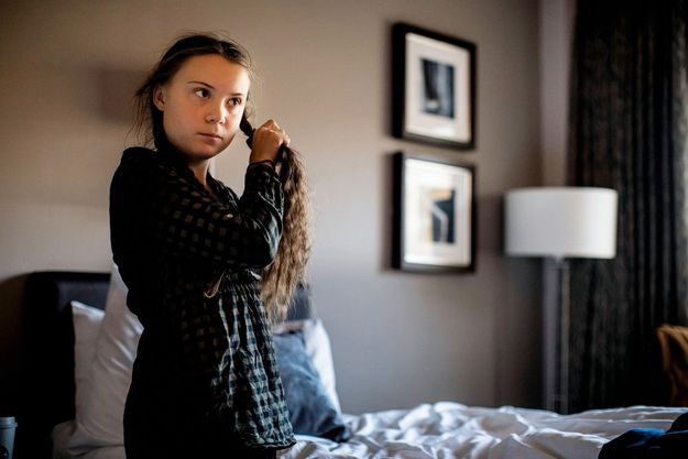 Le 31 octobre 2018 à Londres, Greta Thunberg se prépare avant la manifestation pour le climat avec le mouvement Extinction Rebellion.