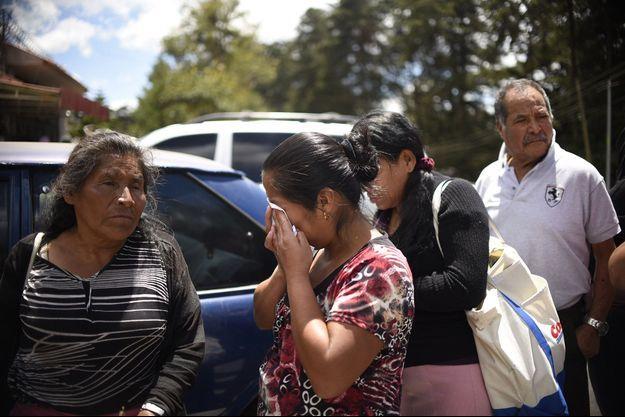 Des proches de personnes du foyer pour mineurs, San José Pinula.
