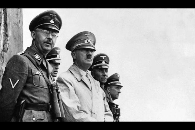 Heinrich Himmler, le père de Gudrun, avec Hitler.