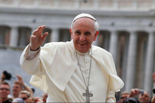 """""""Il est erroné de voir la doctrine de l'Église comme un monolithe qu'il faudrait défendre sans nuance"""", a déclaré le pape François."""