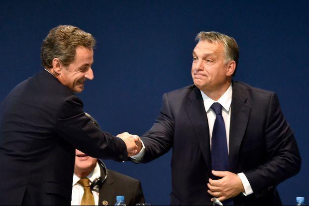 Nicolas Sarkozy et Viktor Orban en 2015.