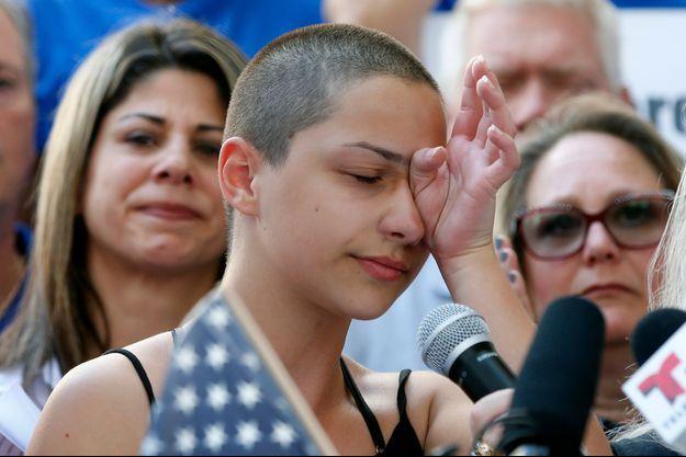Emma Gonzalez lors du rassemblement anti-arme de Fort Lauderdale.