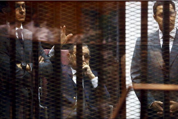 Hosni Moubarak lors de son procès samedi au Caire.