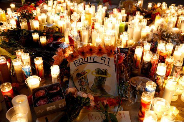 La fusillade a fait au moins 59 morts et 500 blessés.