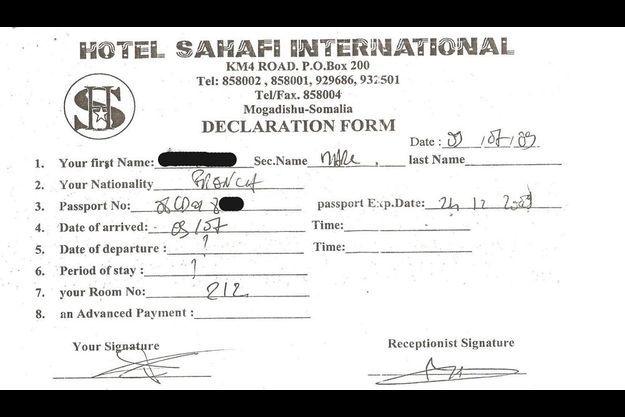 Un document exclusif. La copie des fiches d'hôtel des deux ressortissants français à l'hôtel de Mogadiscio.
