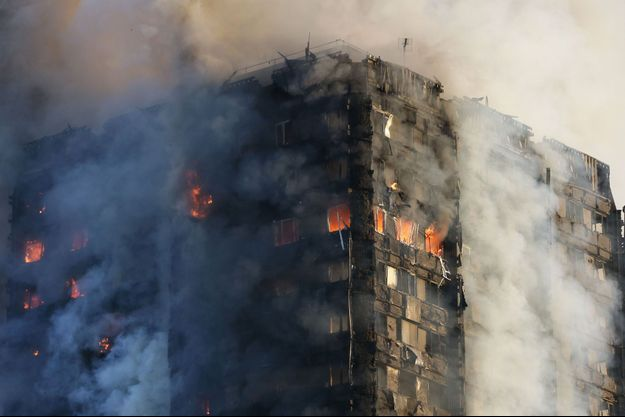 L'immeuble a pris feu mercredi.