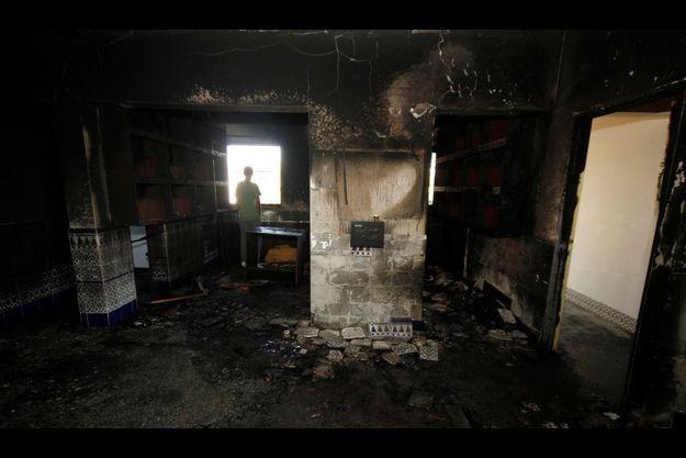 L'intérieur de la mosquée de Tuba Zangaria, dans le Nord d'Israël, a été ravagé par les flammes.