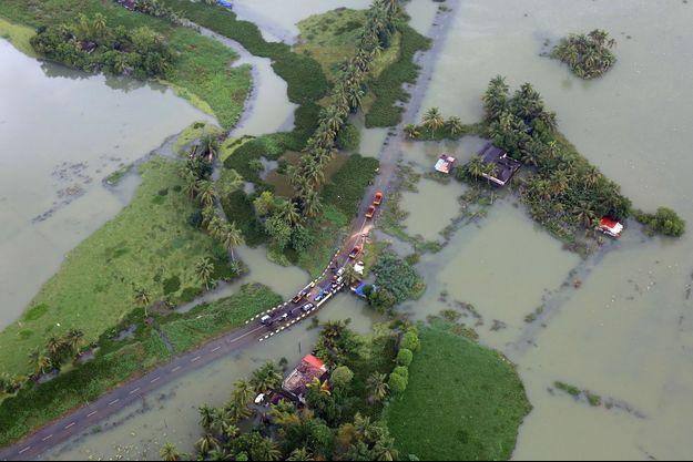 Une vue aérienne du Kerala, en Inde, touché par une crue.