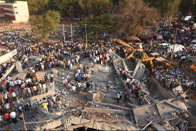 L'effondrement d'un immeuble a fait 17 morts.