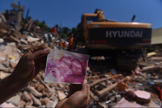Le bilan dépasse les 400 morts en Indonésie.
