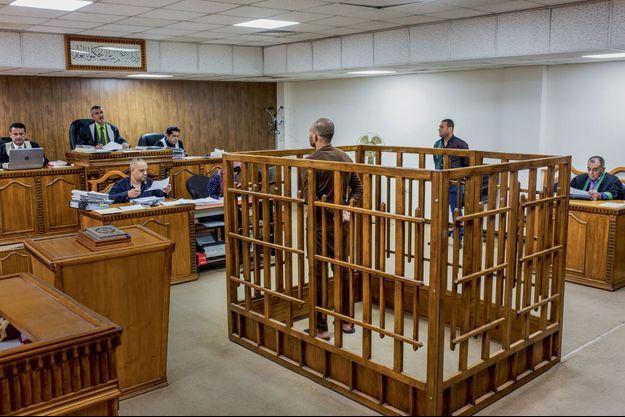 Bagdad en mai 2018. Dans une salle du tribunal criminel irakien, la cour face à un membre du groupe Etat islamique. Verdict : la pendaison.