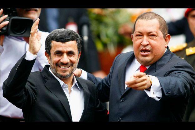 Hugo Chavez a accueilli Mahmoud Ahmadinejad à son palais présidentiel de Caracas.