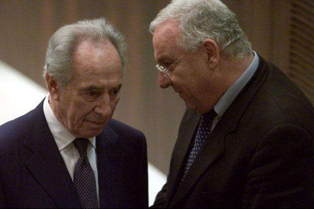 Shimon Peres et Reuven Rivlin en 2001.