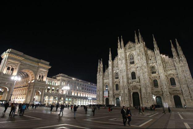 La place du Duomo à Milan.