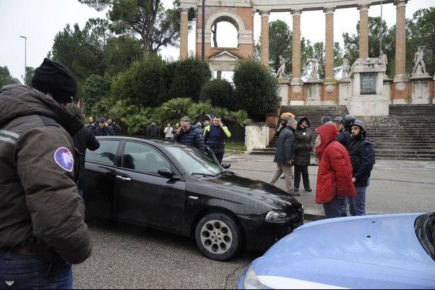 Voiture où le jeune homme a ouvert le feu, le 3 février 2018 à Macerata